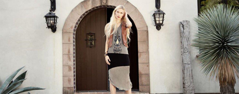 Raven + Lily model